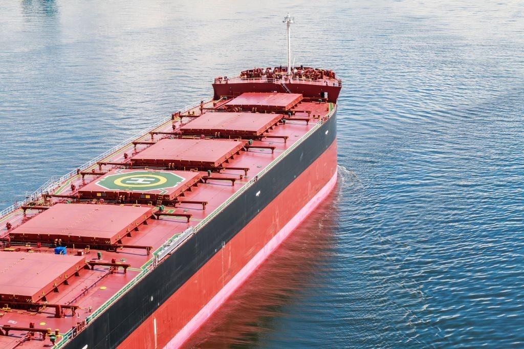 Στις αξίες των bulk carriers περνά η άνοδος της ναυλαγοράς