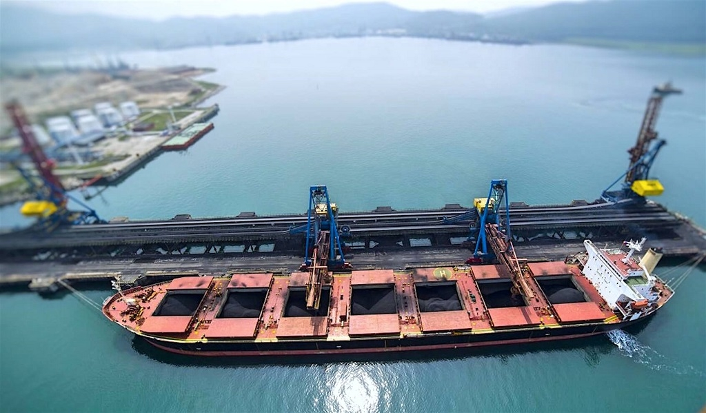 Chinese imports heading for 50% market share of the dry bulk market after a turbulent year