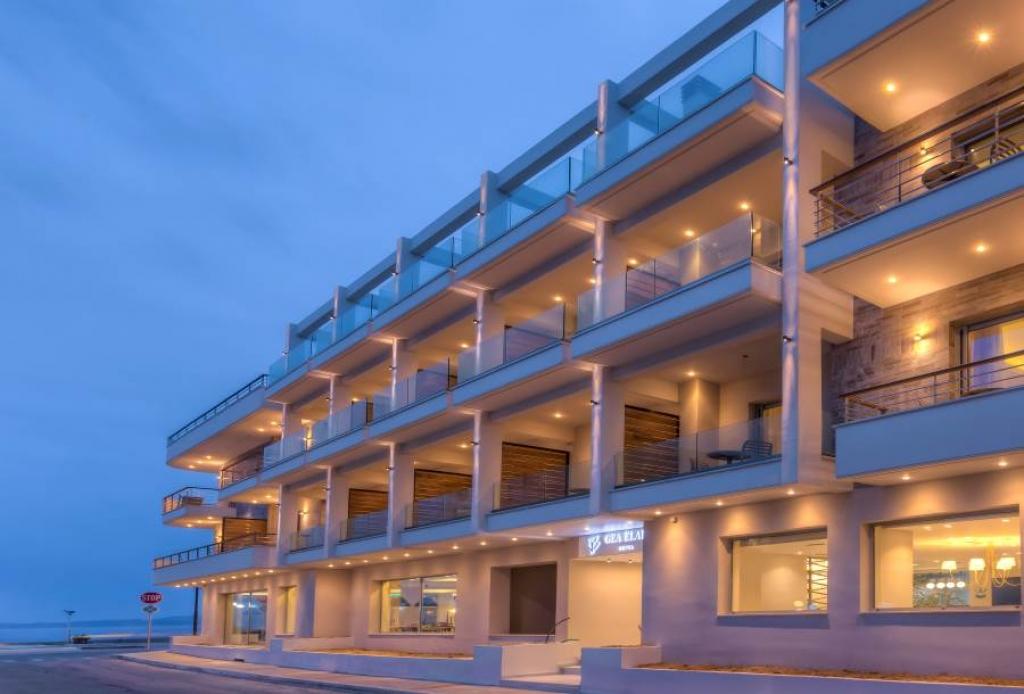 """Ξενοδοχείο  """"GEA ELAIA"""" : Στην τελευταία μαγική ακτή της Ευρώπης"""
